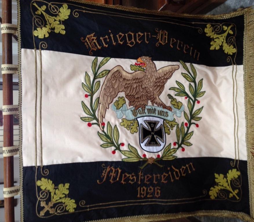 Fahne rechts